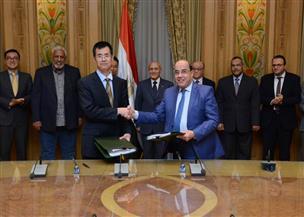 """""""الإنتاج الحربي"""" تتعاقد على إنشاء أول مصنع مصري لإنتاج إطارات السيارات مع شركة صينية"""