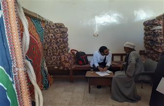 الكشف علي 575 مواطنا في قافلة جنوب الوادى بنجع القرية | صور