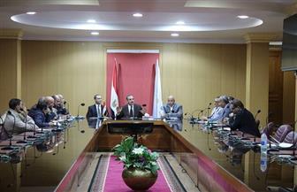 محافظ كفرالشيخ يستعرض خطة تنفيذ العديد من المشروعات الخدمية والتنموية خلال لقائه نواب البرلمان  صور