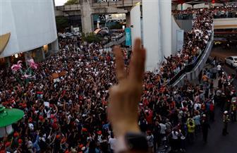 الآلاف يشاركون في أكبر احتجاج في عاصمة تايلاند منذ سنوات