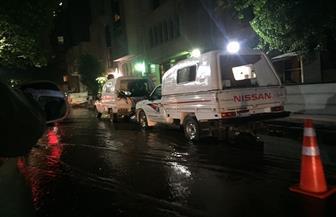كسر ماسورة مياه يتسبب فى كثافات مرورية بشارع قصر العينى| صور