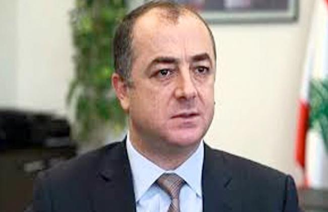 وزير الدفاع اللبناني نواجه خطرا كبيرا بسبب أزمة النازحين