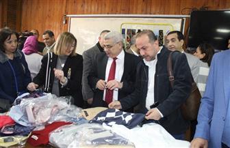افتتاح معرض الملابس الخيري بأسعار رمزية لطلاب جامعة طنطا | صور