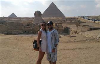 منطقة آثار الهرم تستقبل لاعب كرة القدم البرازيلي دانييل ألفيس وزوجته | صور