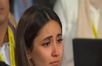 فتاة كردية تبكي تأثرا لحديث الرئيس السيسي حول الأكراد بمنتدى شباب العالم