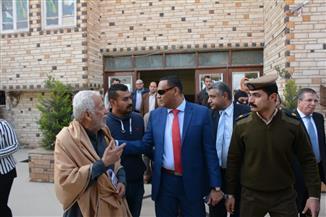محافظ الدقهلية: مهلة ٣ أيام لإعادة ترتيب مخازن مجلس منية النصر | صور