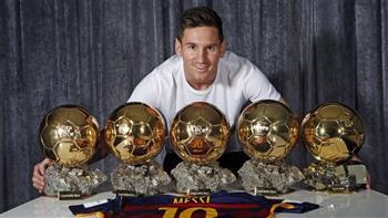 """""""ليونيل ميسي"""".. جدلية الأحق بجائزة الكرة الذهبية وأفضل لاعب في التاريخ"""