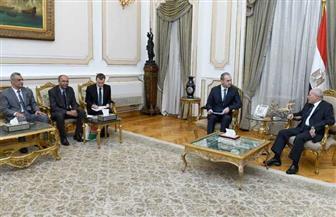 """""""الإنتاج"""" تبحث مع سفير بيلاروسيا تعزيز التعاون المشترك في مجالات التصنيع المختلفة"""