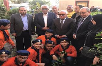 محافظ بورسعيد يطلق مبادرة لزرع 2000 شجرة مثمرة بمدارس بورسعيد | صور