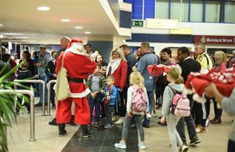 مطار مرسى علم يستقبل بابا نويل قادما من بلجيكا للاحتفال بأعياد الكريسماس   صور