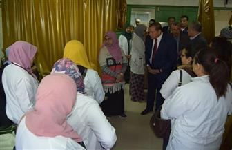رئيس جامعة سوهاج يتفقد العيادات الخارجية وقسم الأمراض الصدرية بالمستشفى الجامعي   صور