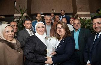 غادة والي والعاملون بالتضامن يستقبلون نيفين القباج بالورود في أول أيام عملها