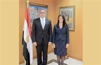 المشاط تطلع العناني على ملفات وزارة السياحة