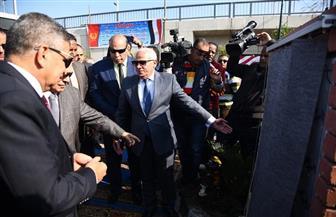 محافظ بورسعيد ورئيس هيئة قناة السويس يفتتحان الممشى السياحي الجديد | صور