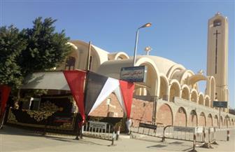 تكثيف أعمال النظافة والإنارة ورفع الإشغالات بمحيط الكنائس في القاهرة قبل عيد الميلاد | صور