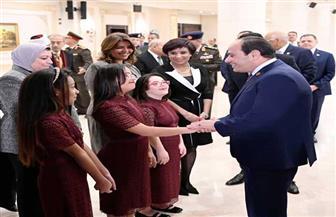 الرئيس السيسي يتفقد معرض القافلة الطبية للكشف على ذوي الإعاقة | صور