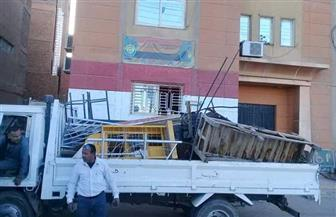 تحرير 93 محضرا ورفع الإشغالات والباعة الجائلين بشوارع مدينة إسنا جنوب الأقصر| صور