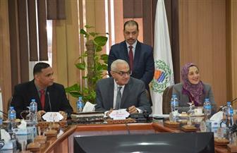 محافظ الدقهلية يشارك في اجتماع مجلس جامعة المنصورة | صور