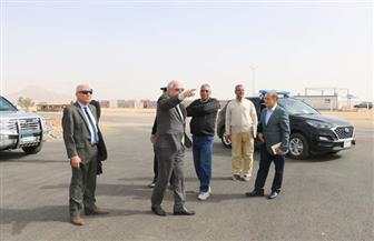 محافظ جنوب سيناء يتفقد تطوير ورفع كفاءة مضمار الهجن الدولي بشرم الشيخ | صور