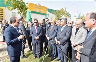 الرئيس السيسي يصل مقر افتتاح عدد من المشروعات القومية بالفيوم