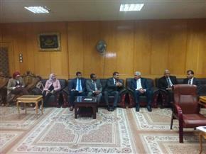 نائب رئيس جامعة الأزهر يستقبل رئيس الجهاز التنفيذي لهيئة محو الأمية وتعليم الكبار