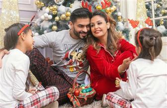 خالد سليم يحتفل بالكريسماس برفقة عائلته | صور