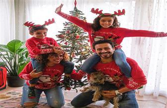 بأجواء من البهجة والمرح.. أحمد داود وعلا رشدي يحتفلان بالكريسماس برفقة أبنائهما | صور