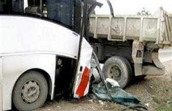إصابة 7 مواطنين في حادث تصادم بين أتوبيس وسيارة نقل في أبو حمص