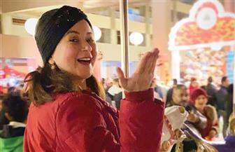 مي نور الشريف تحتفل بالكريسماس برفقة والدتها | صور