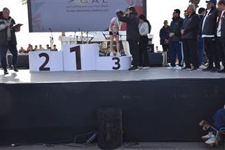 وزير الشباب والرياضة يسلم جوائز ماراثون زايد الخيري بالسويس | صور