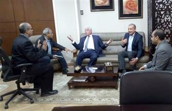 """محافظ جنوب سيناء ومدير صندوق تطوير المناطق العشوائية يبحثان تطوير المناطق """"غير المخططة"""""""