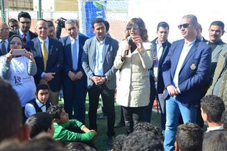 وزيرة الهجرة ومحافظ الفيوم يلتقيان طلاب الفيوم لحثهم على العمل ورفض الهجرة غير الشرعية | صور