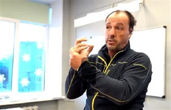 كاد أن يموت متجمدا.. مغامر إسباني يجوب روسيا بدراجته | فيديو