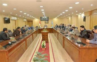 محافظ أسيوط يلتقي أعضاء مجلس النواب ويؤكد تضافر الجهود لحل مشاكل المواطنين