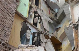 انهيارعقارين في حي الخليفة.. دون خسائر