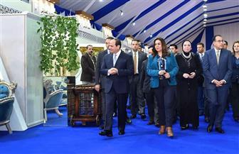 الرئيس السيسي يتفقد المعرض الدائم لمنتجات مدينة دمياط للأثاث
