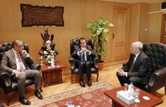 محافظ الفيوم ورئيس الجامعة يستقبلان وزير التعليم العالي بالديوان العام | صور