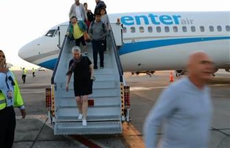 ترحيب واسع من السائحين البريطانيين باستئناف الرحلات الجوية البريطانية لشرم الشيخ  فيديو