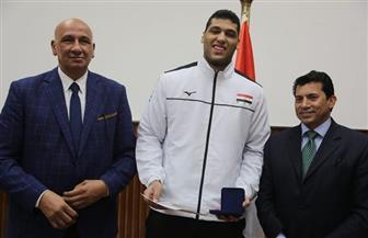 وزير الرياضة يكرم منتخب الكرة الطائرة للناشئين | صور