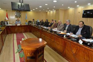 محافظ أسيوط يناشد المواطنين تقديم طلبات التصالح في مخالفات البناء قبل 8 يناير|صور