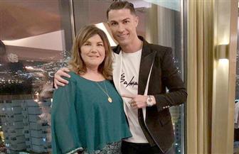 """""""يوم سعيد يا أمي"""".. كريستيانو رونالدو يحتفل بالعام الجديد برفقة والدته"""