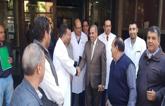 رئيس جامعة الأزهر في زيارة مفاجئة إلى مستشفى الحسين الجامعي   صور -