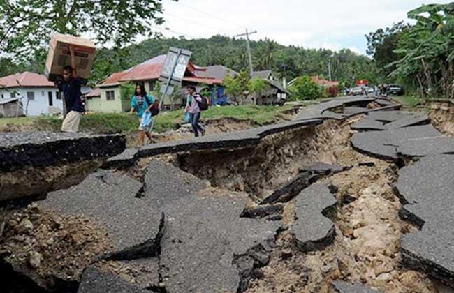 زلزال بقوة 5.5 درجة يضرب إقليم مالوكو الإندونيسي -