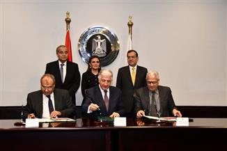 مصر توقع اتفاقا مع المؤسسة الدولية الإسلامية لتمويل التجارة لدعم سلع بترولية وتموينية بقيمة 1.1 مليار دولار