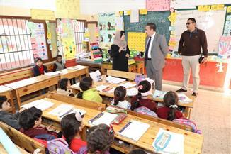 محافظ المنوفية يحيل 3 مديري مدارس و105 مدرسين وإداريين للتحقيق | صور