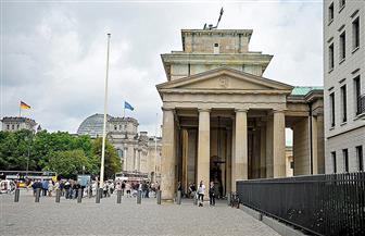 سيارة تصطدم بمبنى وزارة المالية الألمانية في برلين