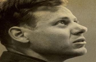 الأرشيف السري للمفكر الأمريكي بول دي مان.. أول سيرة عربية لعمدة ما بعد الحداثة