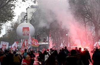 استمرار توافد حشود المحتجين في فرنسا إلى الشوارع.. وتعطل حركة بعض القطارات