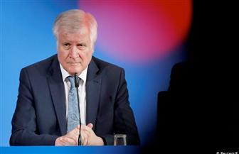 وزير الداخلية الألماني يوافق على استئناف الدوري مع الالتزام بشروط مشددة