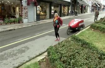 مغامرة مسنة تبلغ 73 عاما تعدو 6 آلاف ميل من بريطانيا إلى نيبال | فيديو